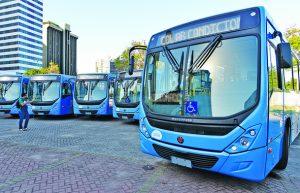 Casagrande anuncia 100º ônibus climatizado do Transcol. Foto: Chico Guedes