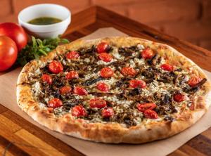 """Pizza """"Levíssima"""", da confeitaria Monte Libano"""