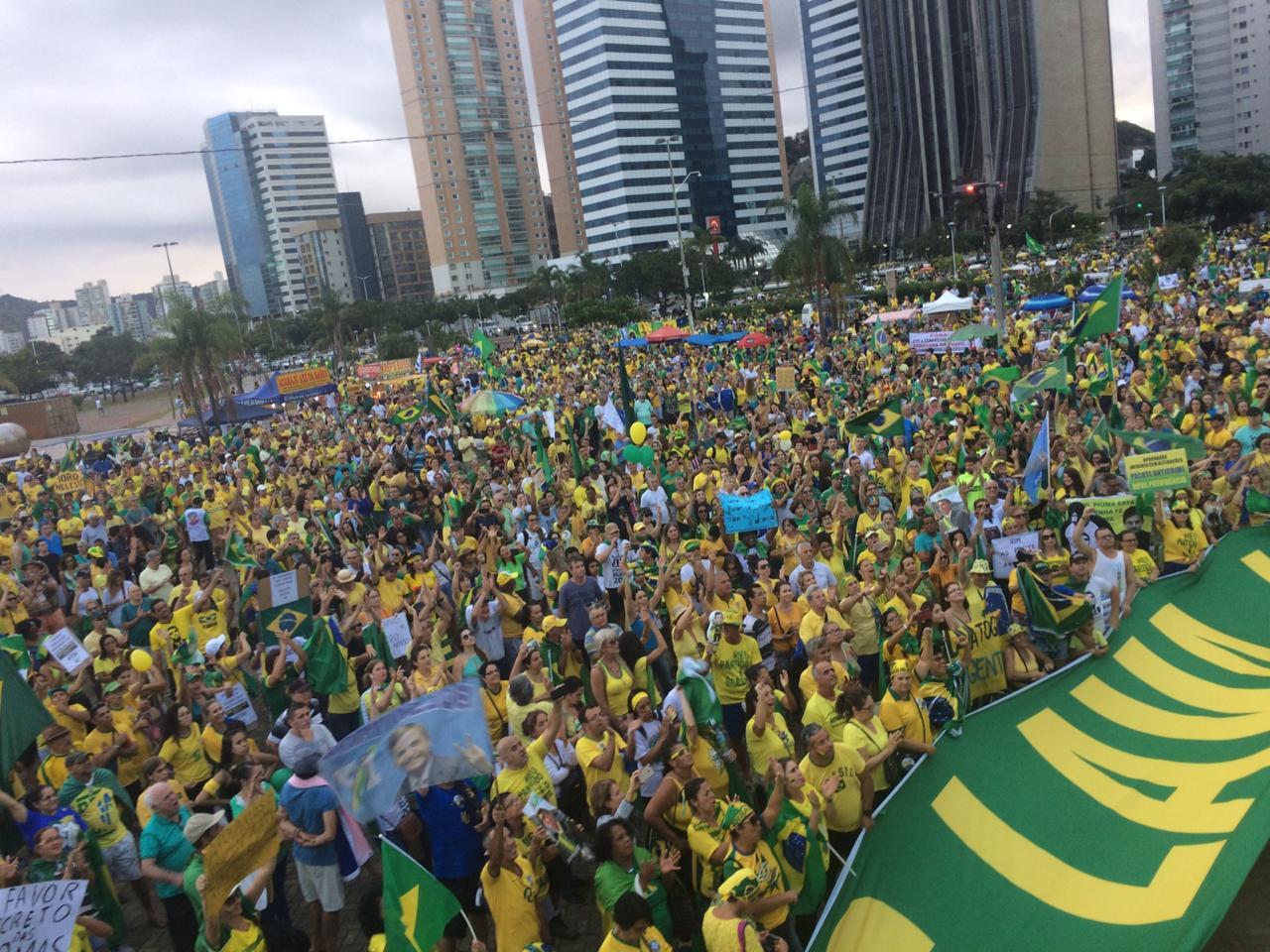 Manifestantes protesto Bolsonaro