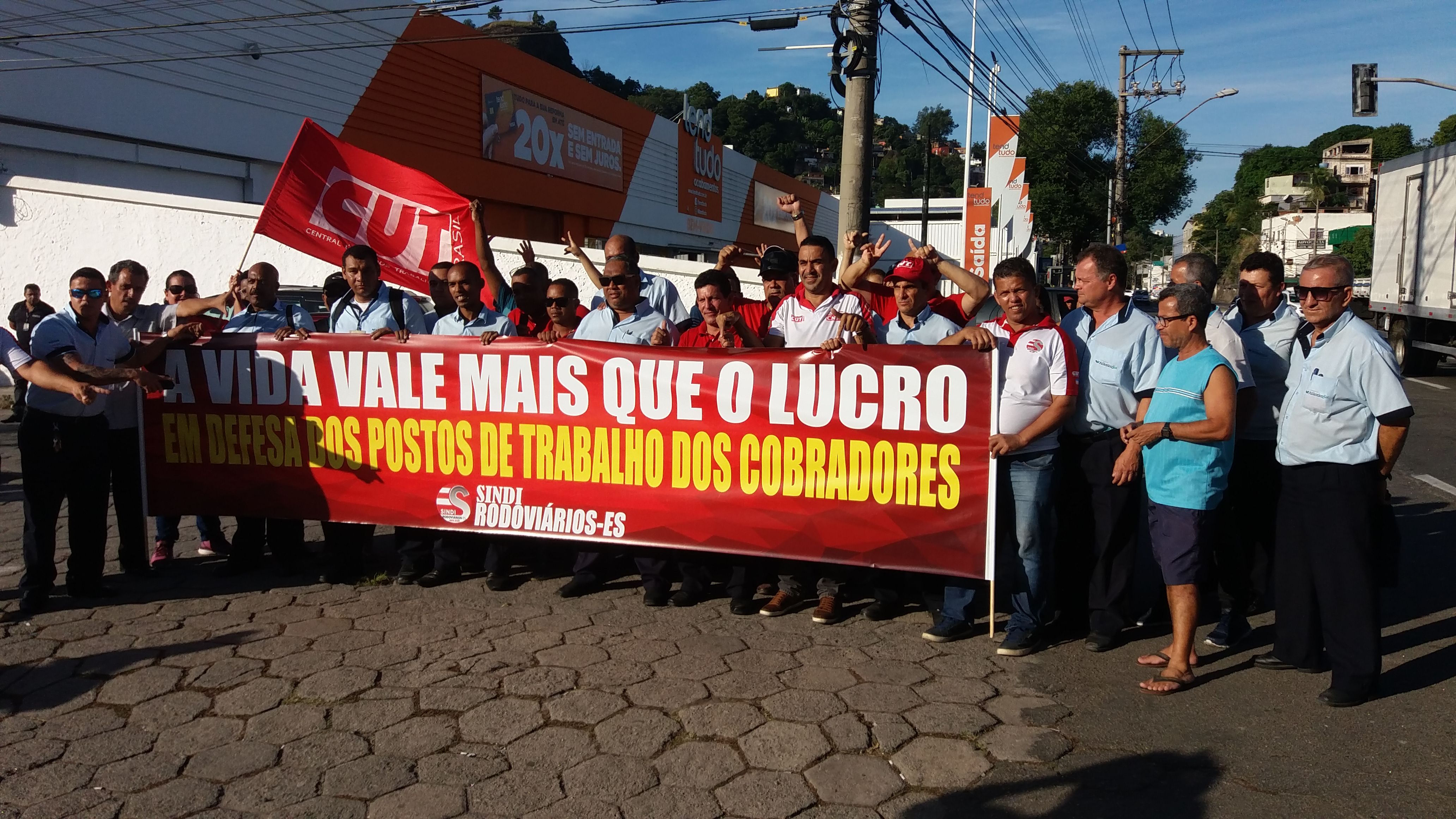 Rodoviários protestam em Vitória