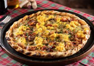 """Pizza """"Carbonara"""", do restaurante Vila Rusticana."""