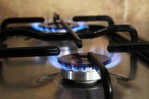 Disparada do preço do petróleo chega ao gás de cozinha, que tem primeira alta do ano. Foto: PublicDomainPictures/Pixabay