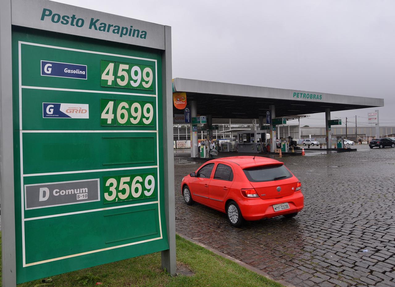 Posto de combustíveis na BR-101, na Serra