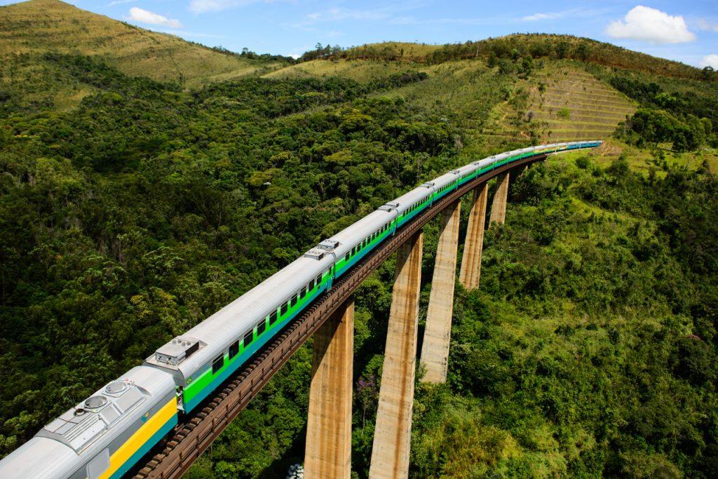 Trem de passageiros da Estrada de Ferro Vitória a Minas