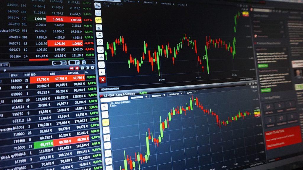 Bolsa retoma patamar de 100 mil pontos pela primeira vez desde março. Foto: Csaba Nagy/Pixabay