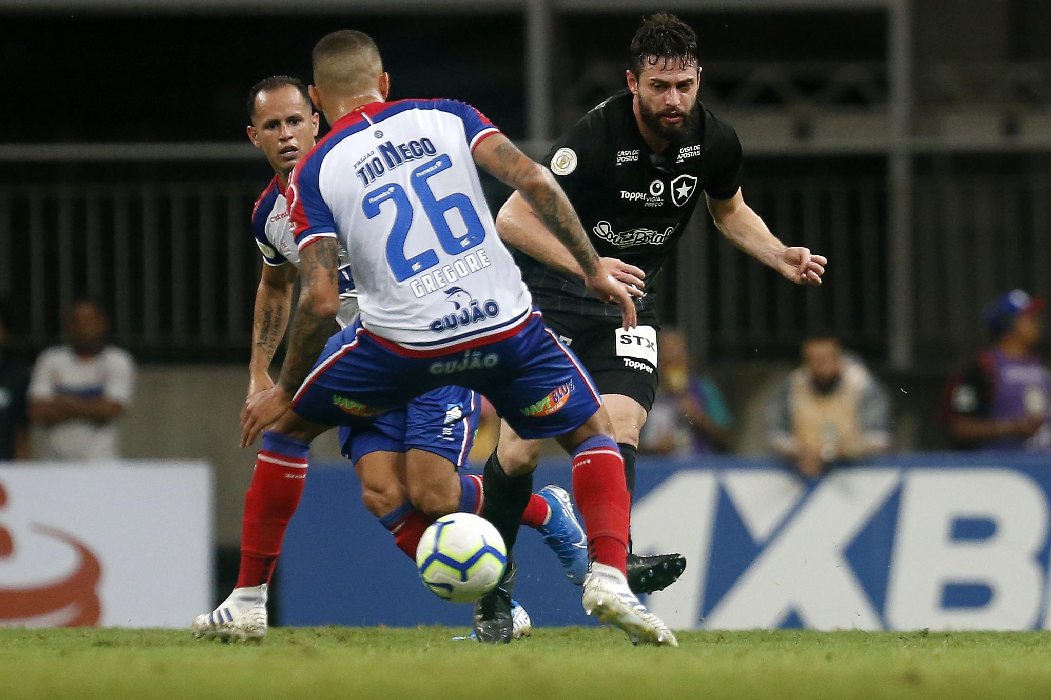 Bahia derrota o Botafogo na Fonte Nova e obtém a reabilitação no Brasileiro. Foto: Vitor Silva/Botafogo