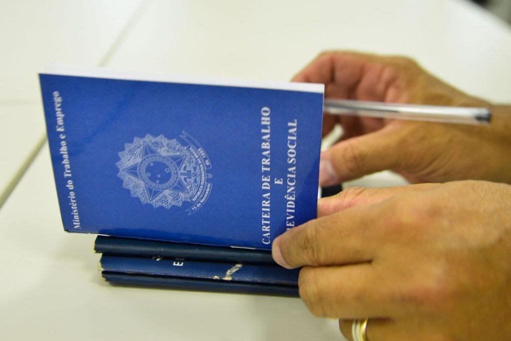 Taxa de desemprego sobe para 14% em setembro, aponta IBGE. Foto: Marcello Casal/Agência Brasil