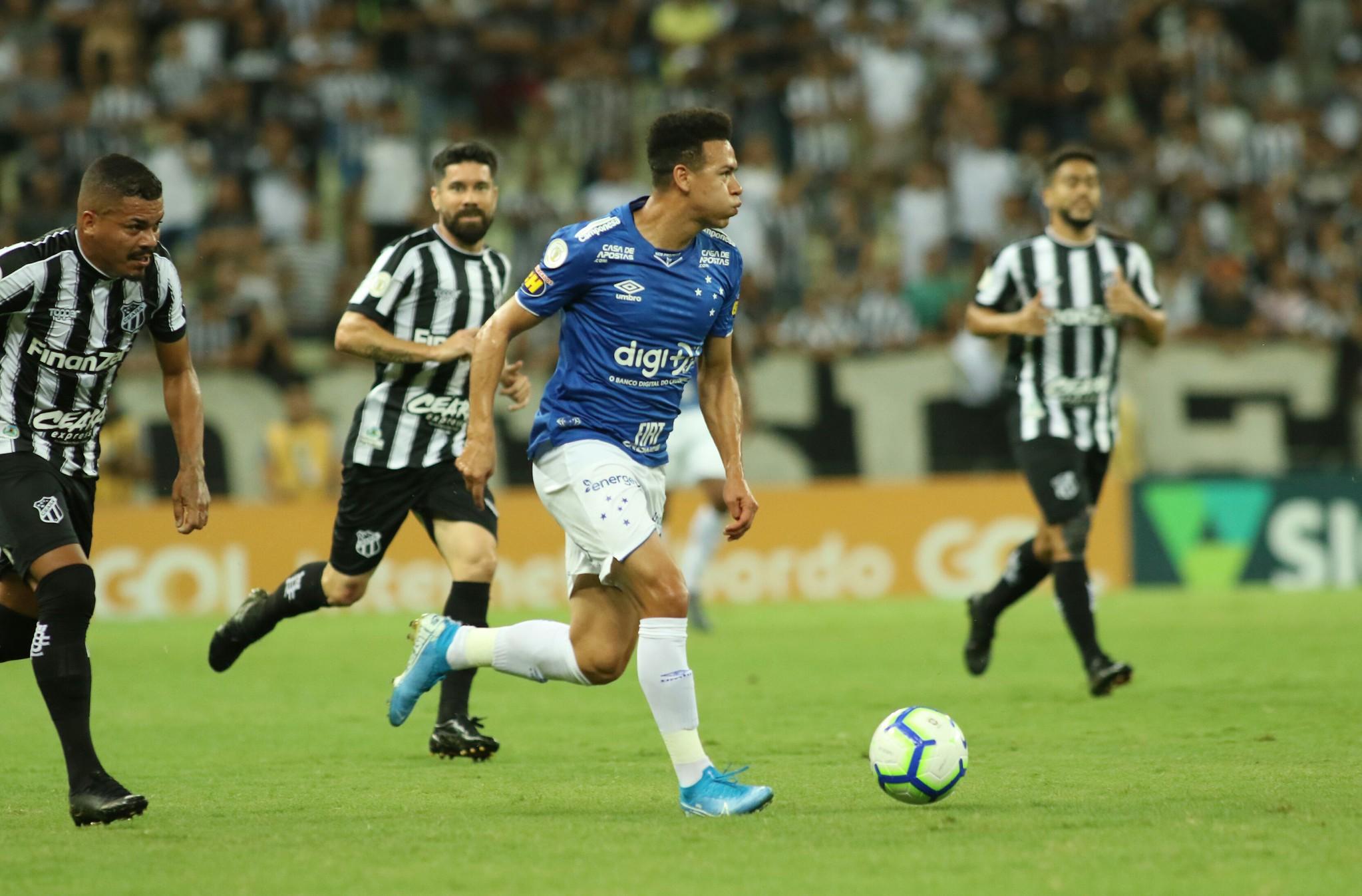 Em partida sem grandes emoções, Ceará e Cruzeiro empataram nesta quarta-feira na Arena Castelão, em Fortaleza, pela 21ª rodada do Brasileirão. Foto: Foto: Pedro Chaves/ Lightpress/ Cruzeiro