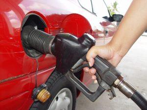 Preço da gasolina despenca para até R$ 3,27 em Vitória. Foto: FreeImages/Elvis Santana