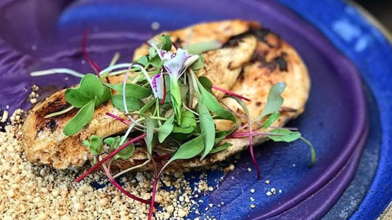 Restaurante Week 2019 - Frango com purê de batata doce e farofa crocante de castanhas da Casa Gaviola. Foto: Divulgação