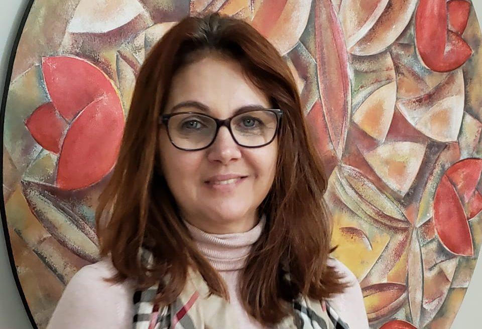 """""""É importante manter  o cartão de vacinas  bem atualizado"""", afirma a alergista Márcia Bellote. Foto: Unimed/Divulgação"""