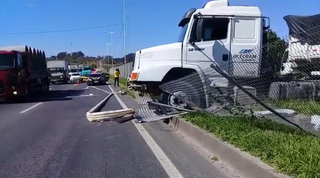 Acidente caminhão Contorno