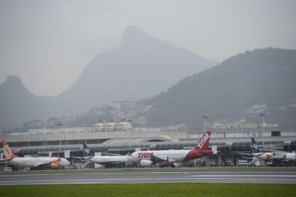 Avião na pista do Aeroporto Santros Dumont após reforma. Foto: Tomaz Silva/Agência Brasil