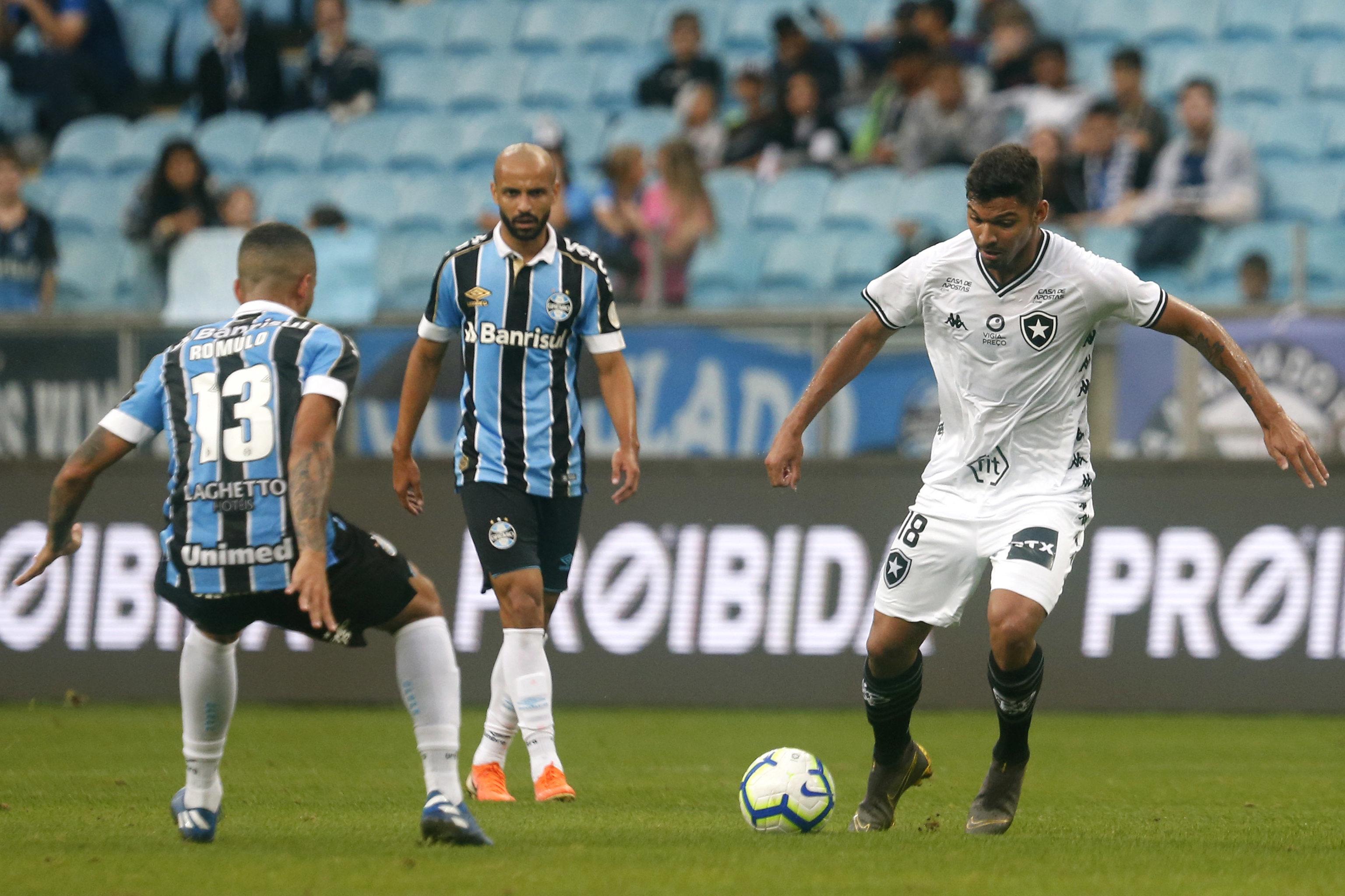 Maicon marcou o primeiro para o time gaúcho aos 11 minutos do primeiro tempo. Na segunda etapa, Thaciano ampliou aos 25 e Everton definiu o placar aos 34 minutos. Foto: Vitor Silva/Botafogo