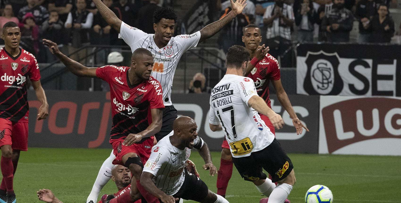 Corinthians E Athletico Pr Empatam Em Jogo Com Quatro Gols No Primeiro Tempo Es360