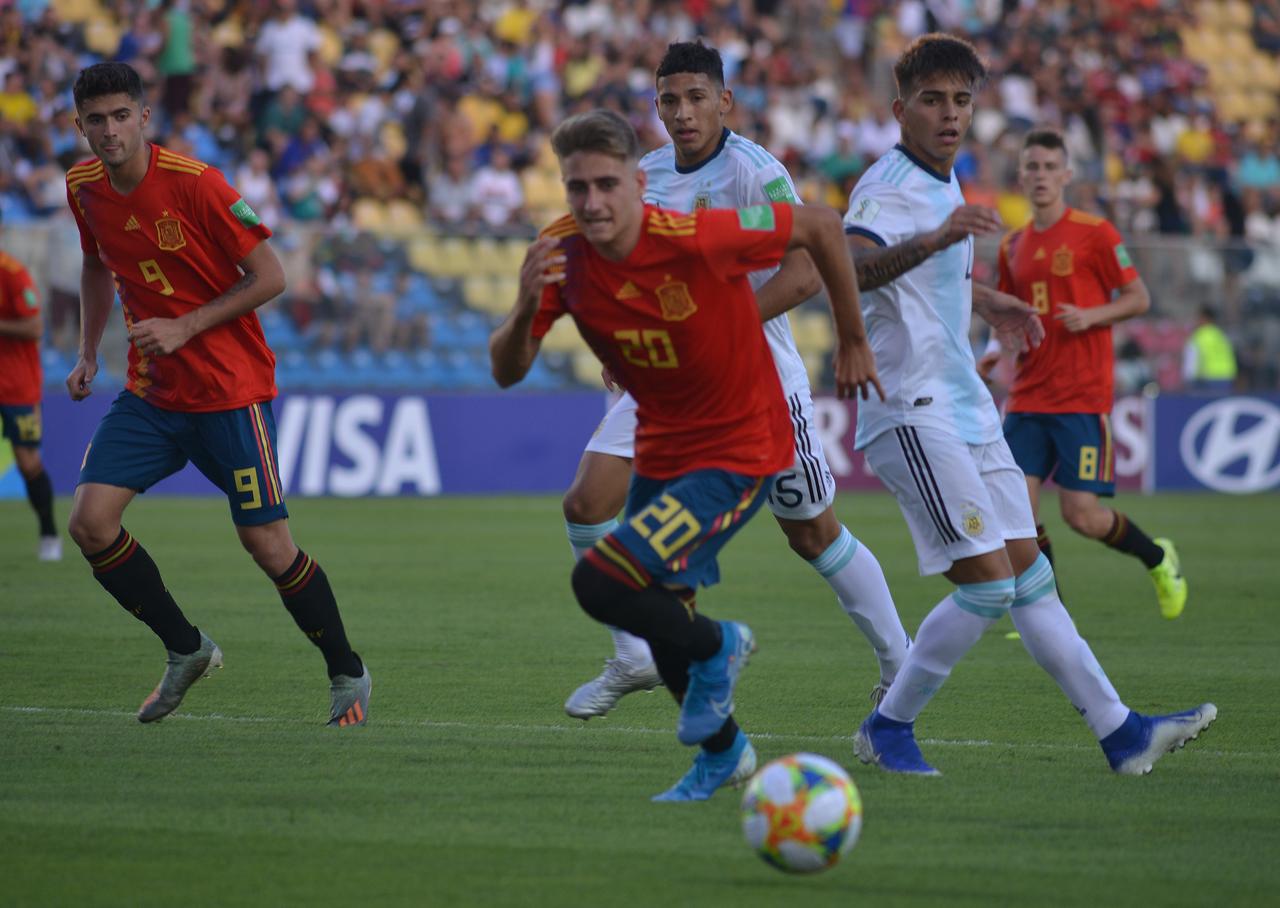 Espanha e Argentina não conseguiram sair do zero. Foto: Chico Guedes