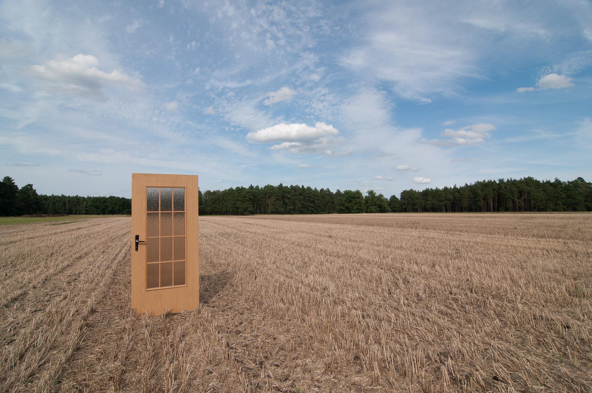 """Com o título """"Aqui, Lá e Entre"""", a foto revela um campo na Alemanha. Foto: Miro Soares"""