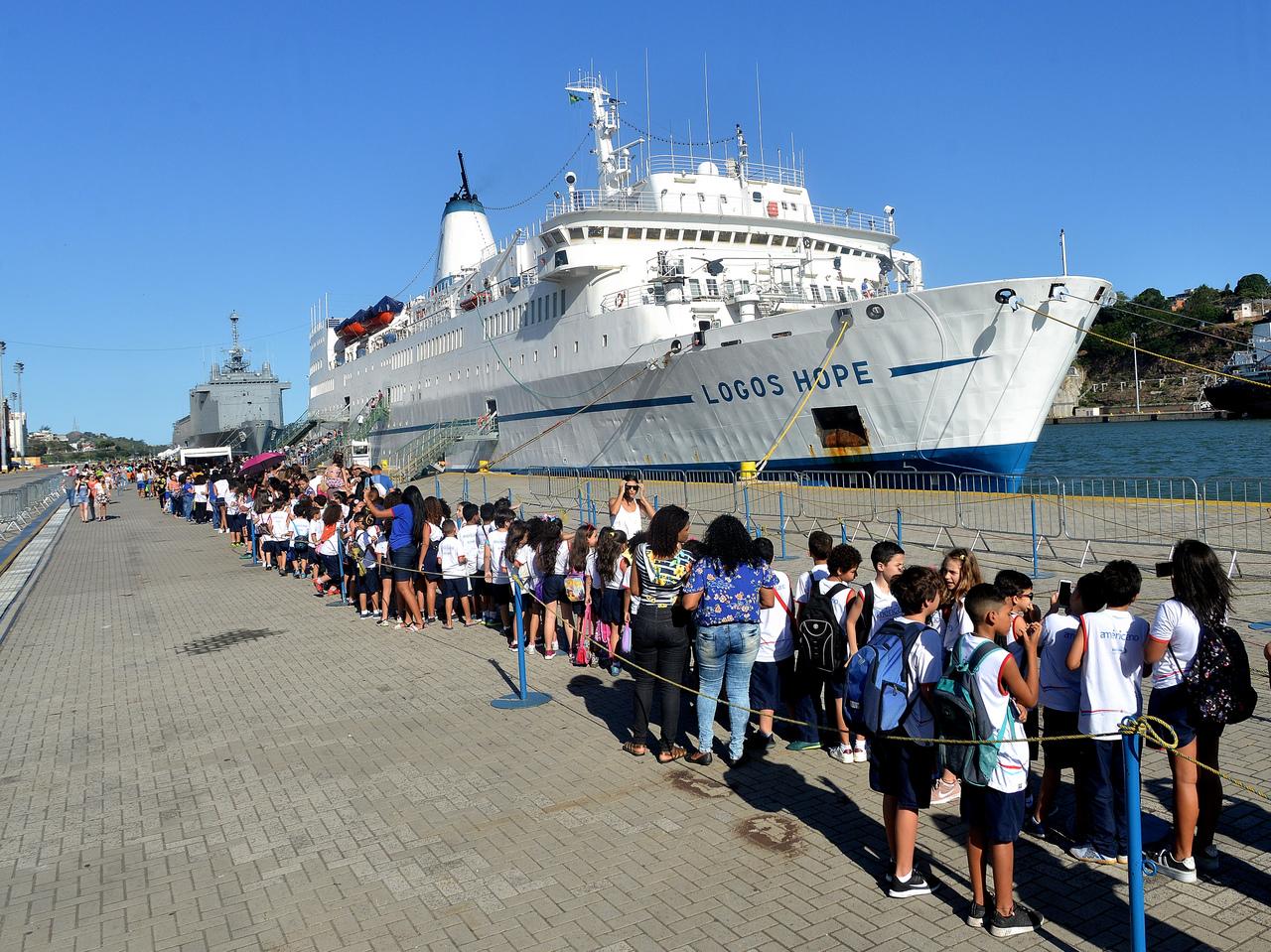 O navio fica na cidade até domingo, dia 20. Foto: Chico Guedes