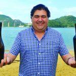 Gonzalo Guzmán em Vitória: o enólogo aprovou a harmonização com a moqueca. Foto: Chico Guedes