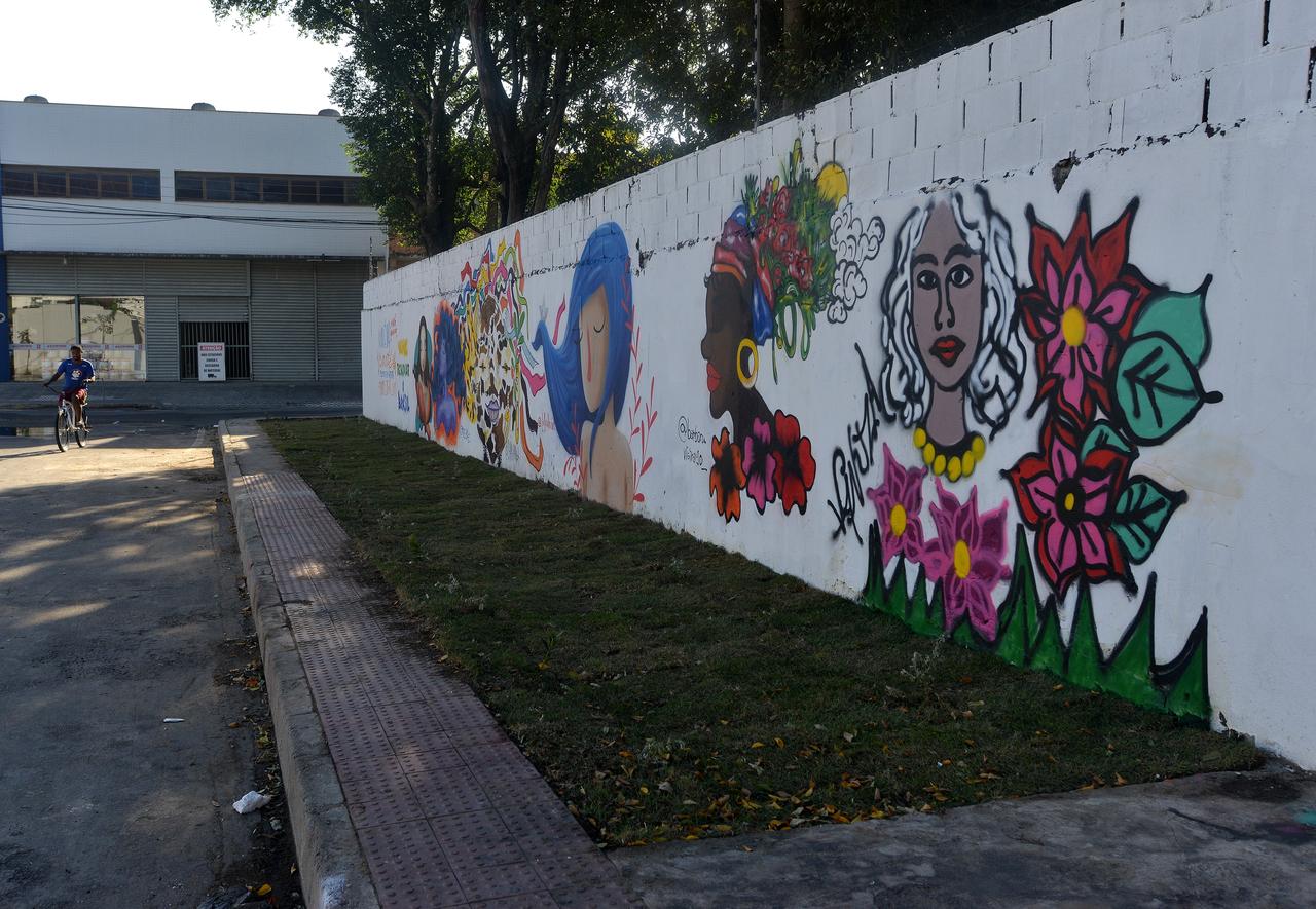 Muro ganhou novo visual no final de semana. Foto: Chico Guedes
