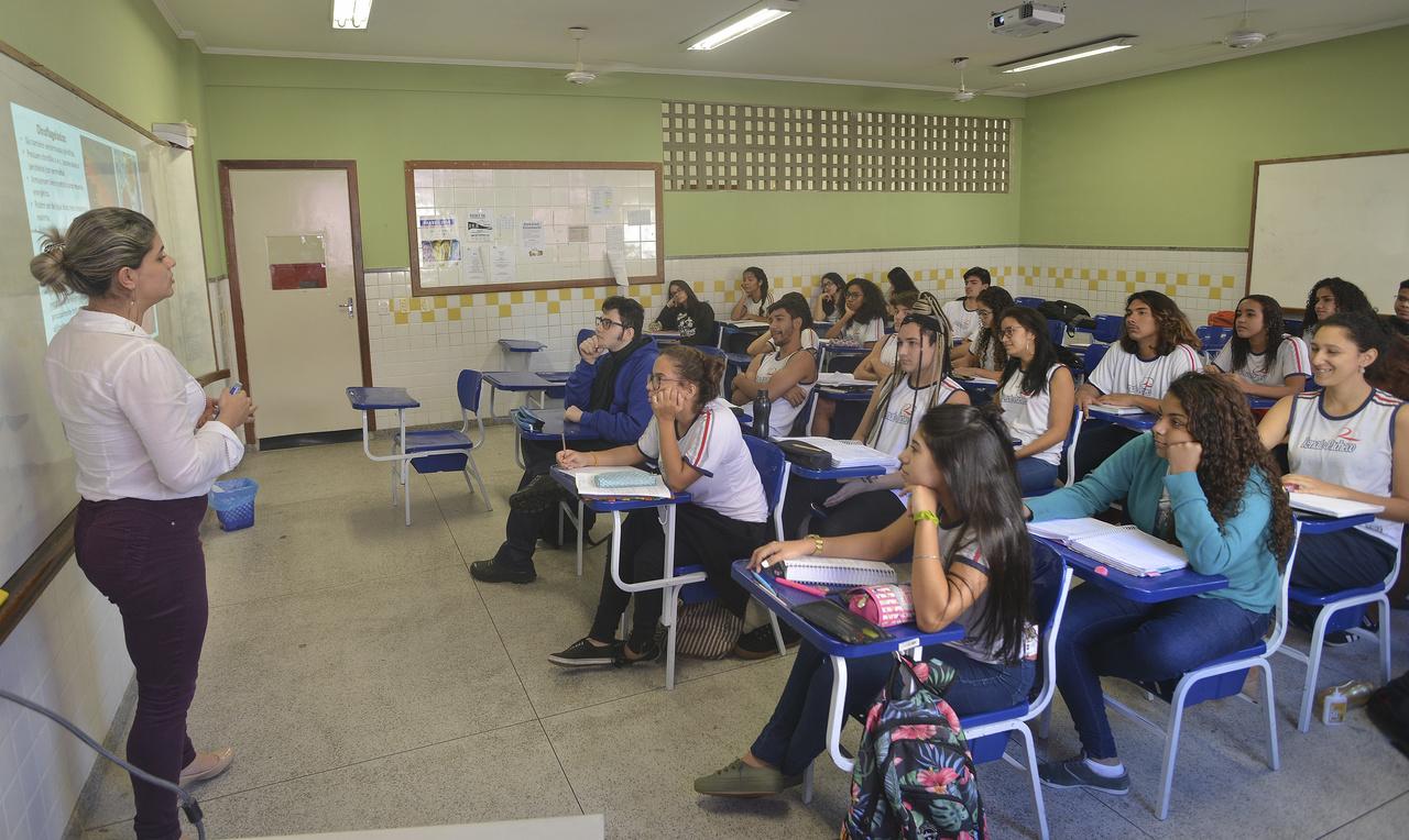 Professor será mediador do processo de construção do conhecimento nas salas de aula. Foto: Chico Guedes