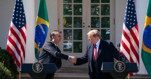 'Declaração em março deixa claro que apoio o Brasil na OCDE', diz Donald Trump. Foto: Tia Dufour/Official White House