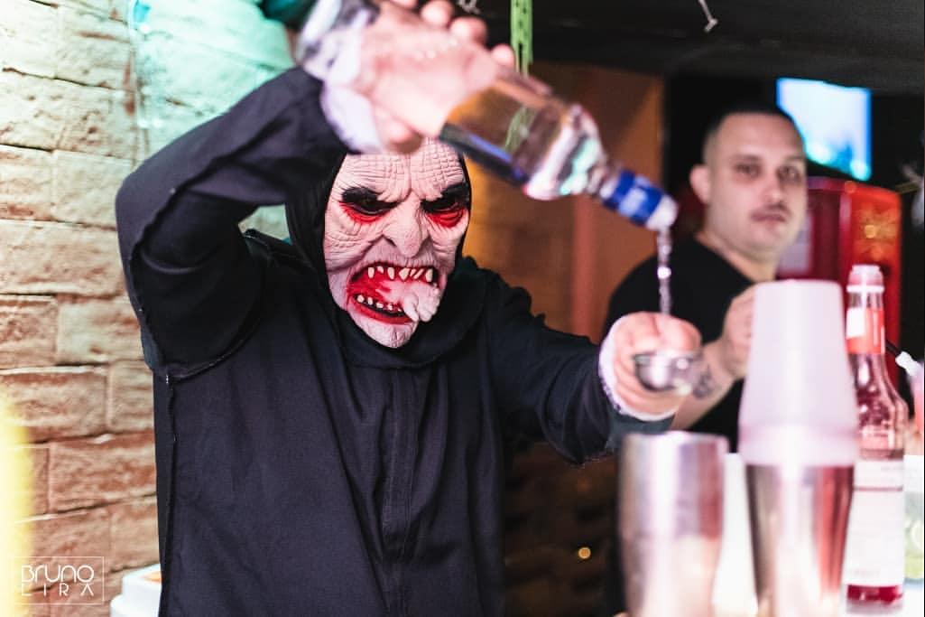Vitrine Music Bar terá maquiador. Foto: Divulgação