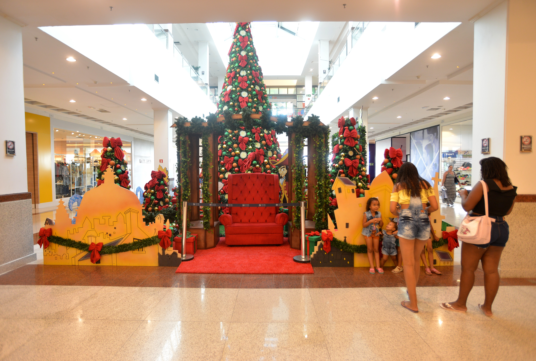 Decoração de Natal do shopping Mestre Álvaro, na Serra. Foto: Chico Guedes