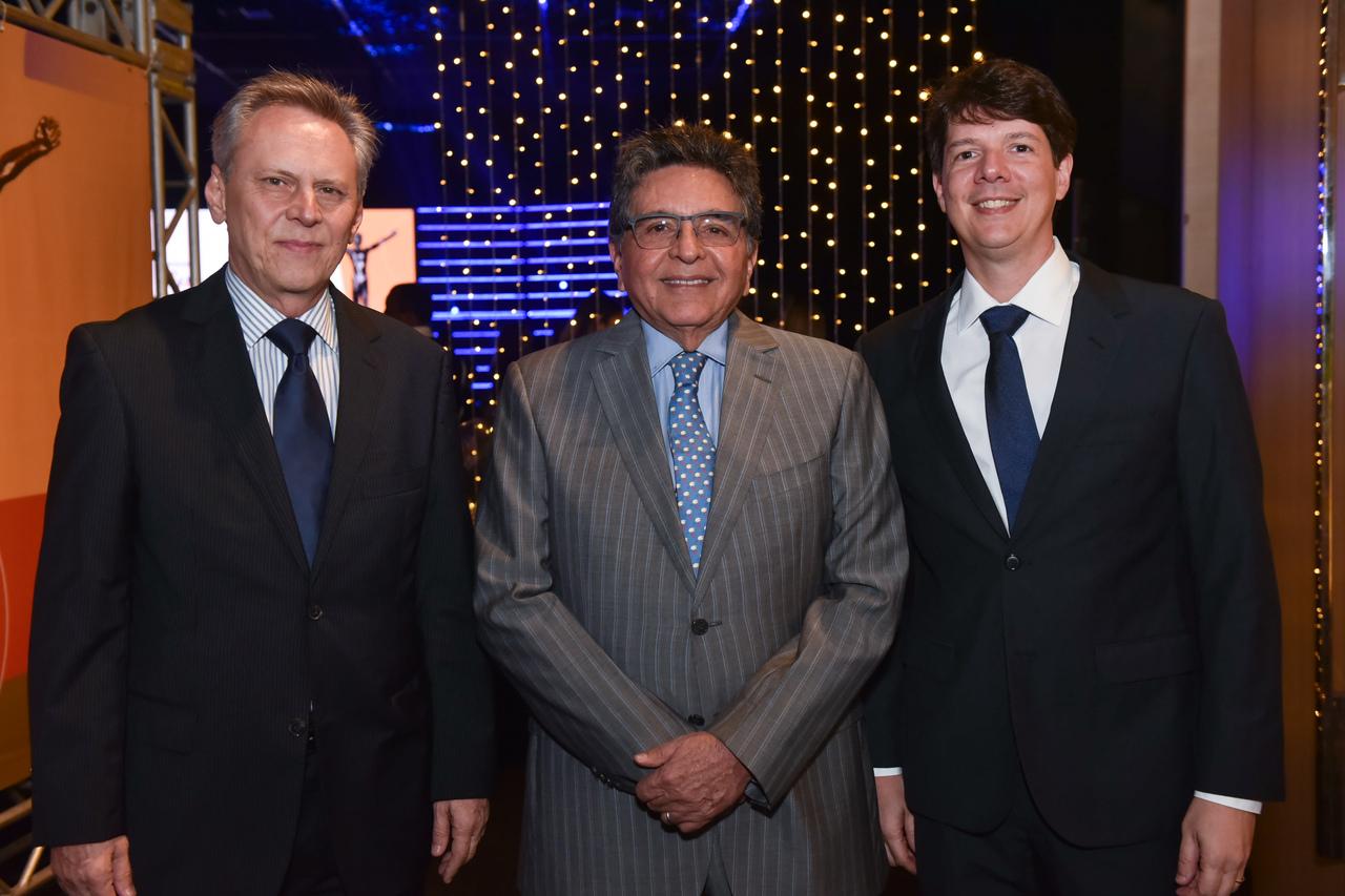 Carlos Magalhães, Walter de Sá Cavalcante e Gustavo Figueiredo no Prêmio Equilibrista 2019. Foto: Monica Zorzanelli