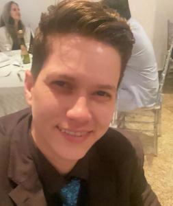 Após sofrer agressão, youtuber Karol Eller presta depoimento no Rio. Foto: Reprodução/Instagram
