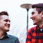 Bromance: quando amigos se tornam praticamente irmãos. Foto: Braden Chilton/Pexels