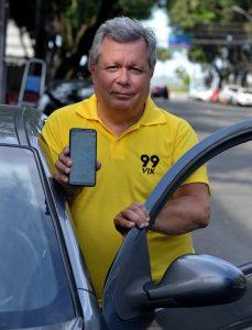 Henrique Rabelo já acumula mais de 11 mil viagens na 99. Foto: Chico Guedes