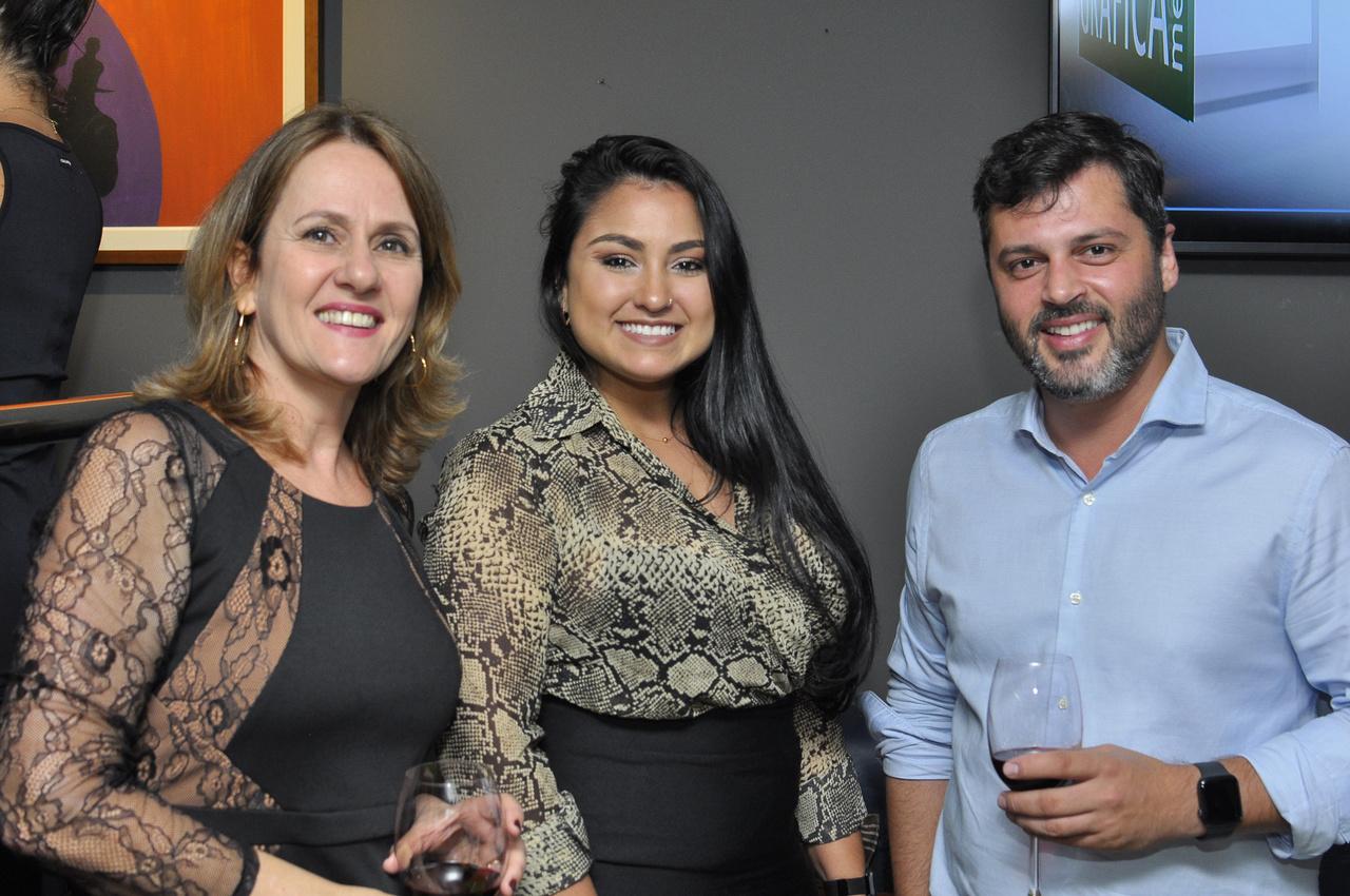 Maria Inês Altoé, Isis Morellato e Felipe Torres. Foto: Pepê