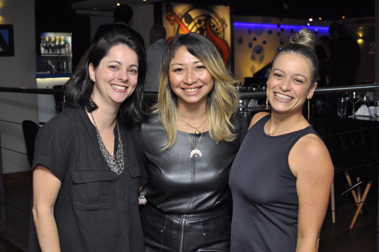 Olívia Mendonça, Raphaella Navarro e Juliana Almeida no evento do portal ES360. Foto: Pepê