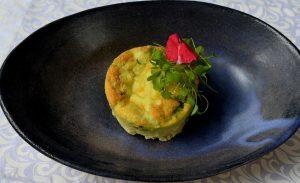 Tortinha de ovo com pimentas frescas. Rende uma porção e custa, em média, R$ 6. Foto: Chico Guedes