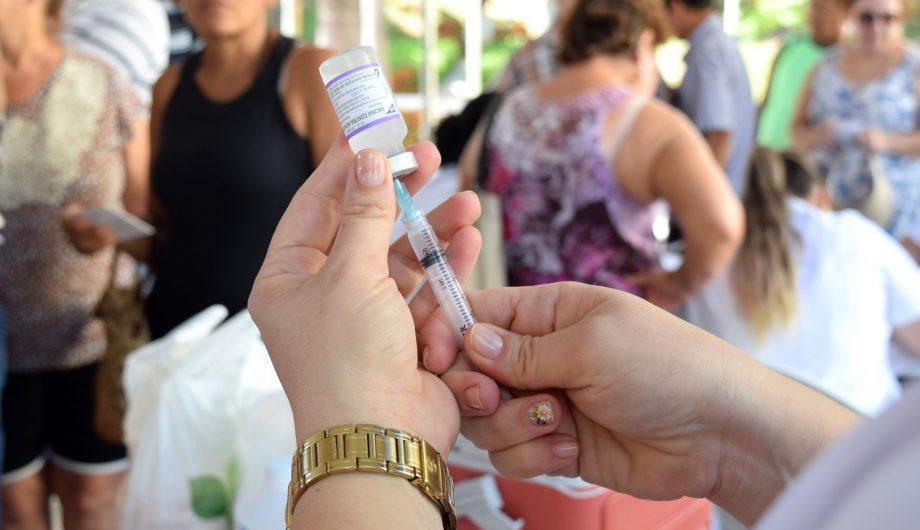 Vacinação em Cachoeiro de Itapemirim. Foto: Márcia Leal/PMCI