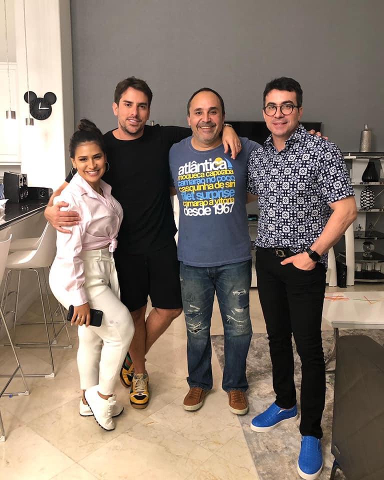 A cantora Simone, o empresário Rodrigo Branco, o chef Bodevan e o padre Fábio de Melo. Foto: Reprodução