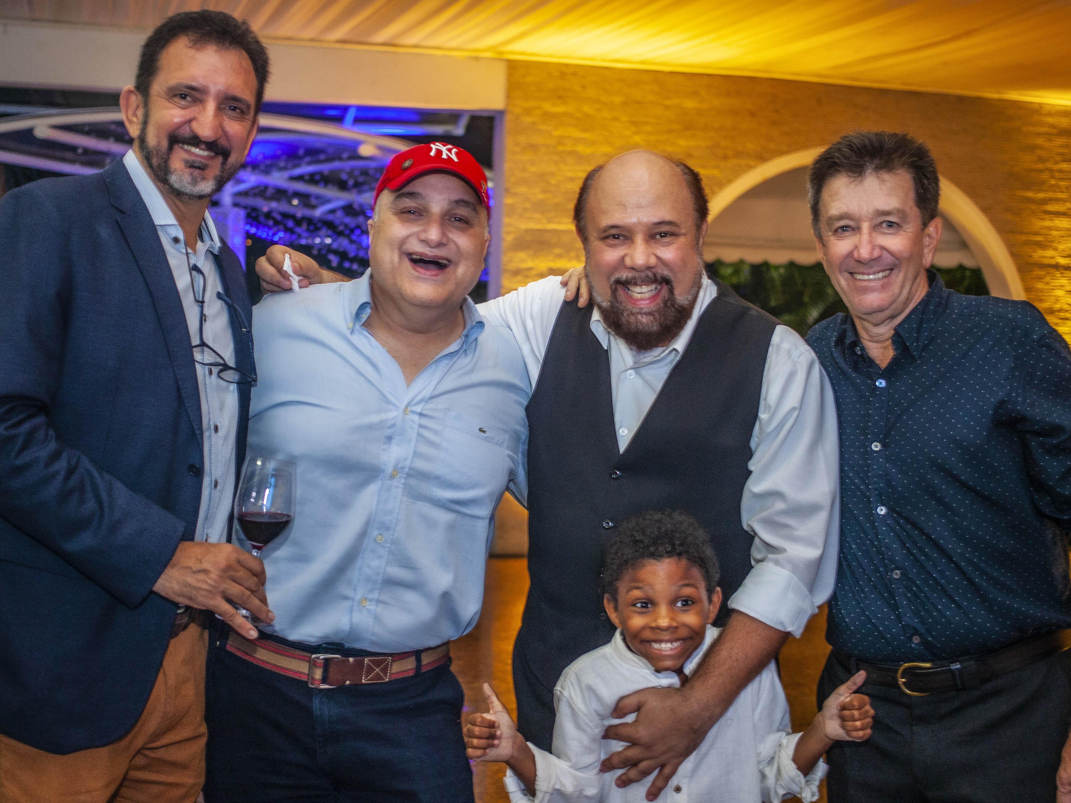 Antelmo Sasso Fim, Licio Bruno, Ramon, Etore Cavalieri e o pequeno Benjamin Bruno. Fotos: Rodger Savaris