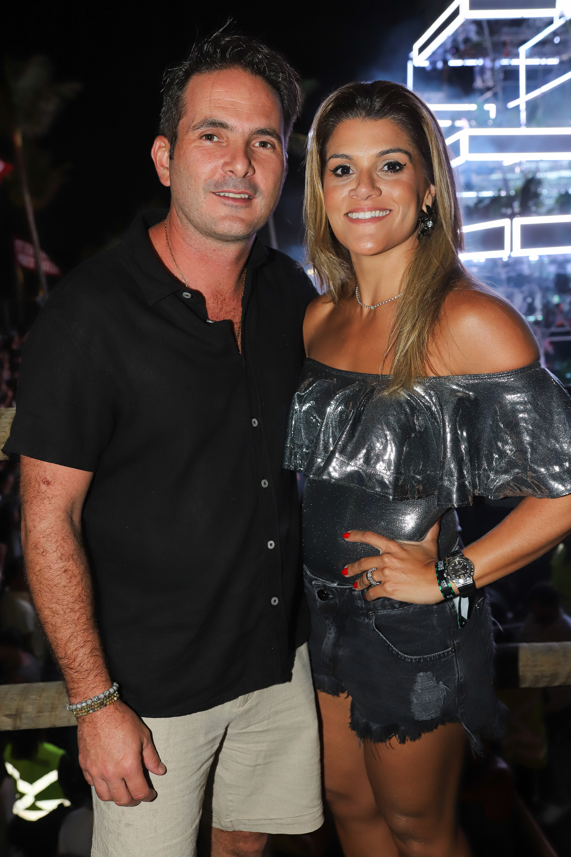 Bruno e Marianna Lawall curtindo as festas de Guarapari. Foto: Léo Gurgel