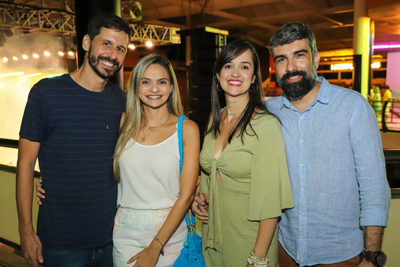 Dudu Pagani, Rafaela Fortunato, Erika Barcellos e Alexandre Poltronieri no verão do Mais. Foto: Léo Gurgel