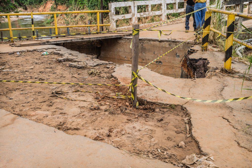 Estragos causados pela chuva em Sabará, em Minas Gerais. Foto: Hanna Gabriela/Fotoarena//Estadão Conteúdo