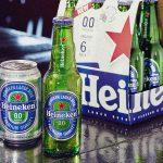 Heineken vai lançar nos próximos meses a cerveja 0.0, de rótulo azul. Foto: Divulgação