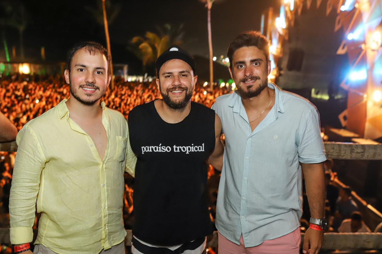 Os diretores do Cafe de La Musique Guarapari: Frederico Rezende, Felipe Fiorotti e João Vitor Guimarães. Foto: Leo Gurgel