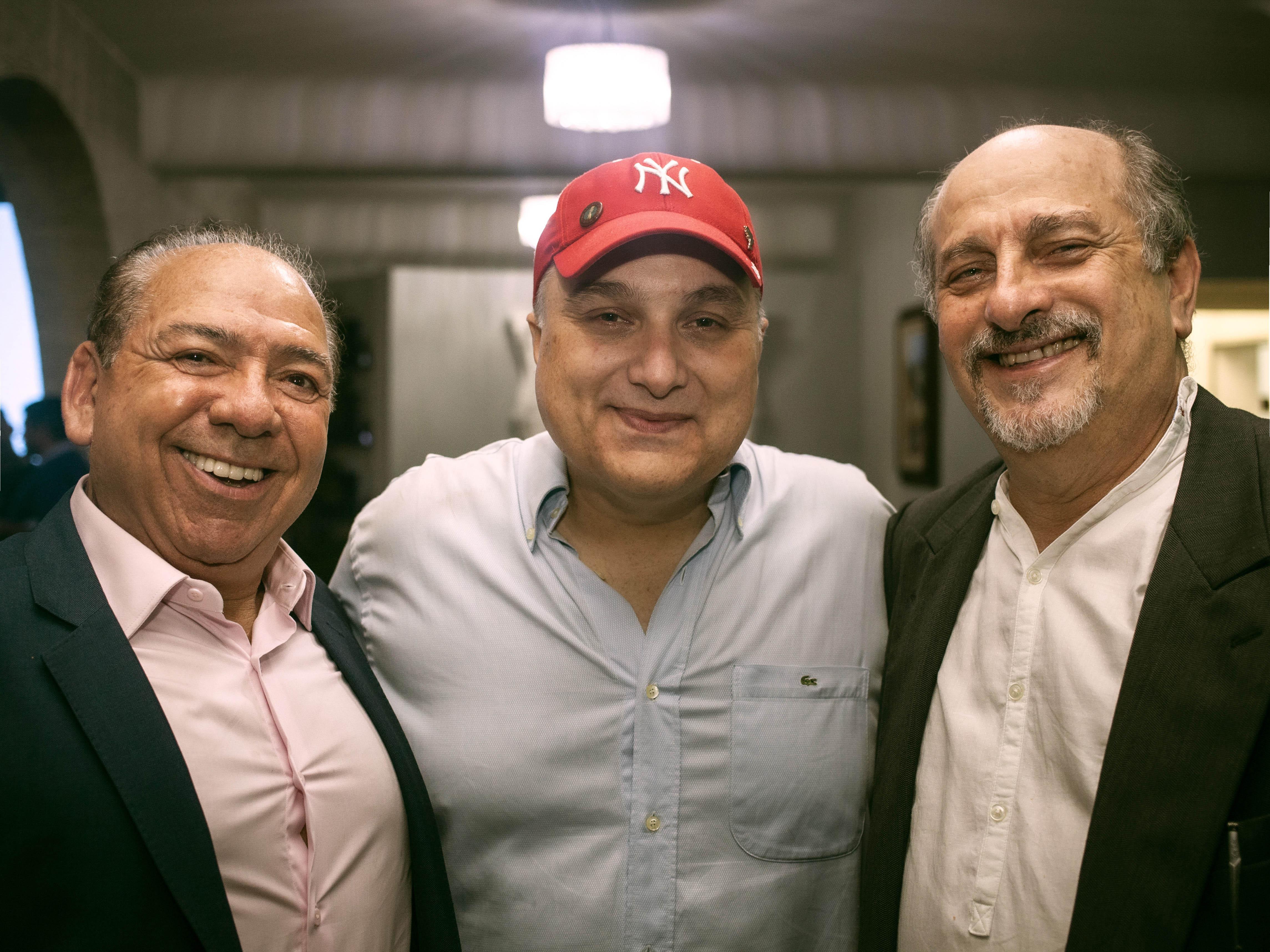 Ramon entre Maely Coelho e Assis Teixeira. Fotos: Rodger Savaris