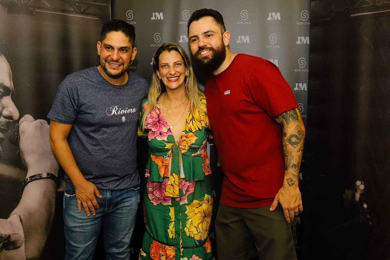 Silvia Helena Fioroti com Jorge & Matheus. Foto: Leo Gurgel