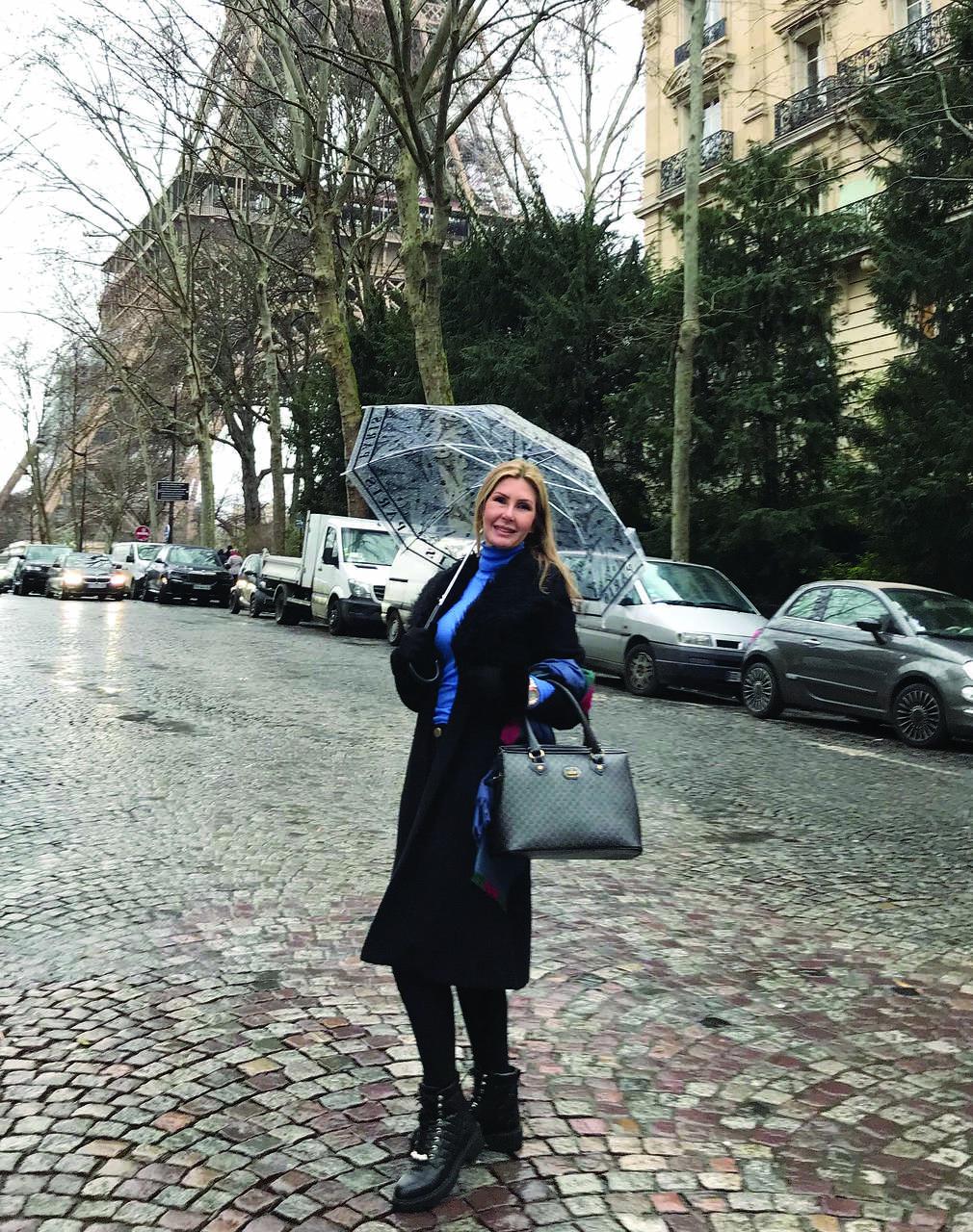 A dermatologista Christina Drummond esteve em Paris, onde participou do evento do mundo na área de dermatologia estética. Foto: Divulgação