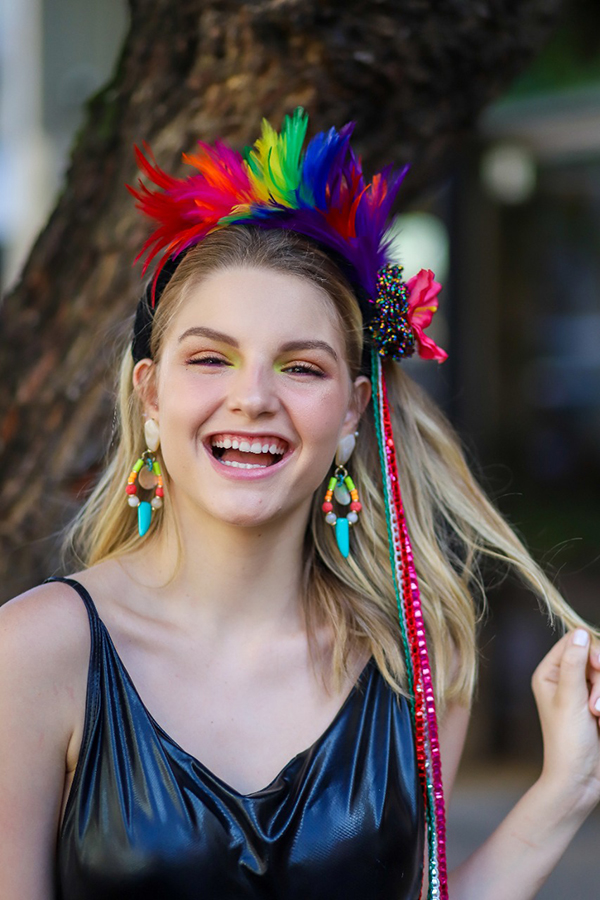 Ana Elisa Lopes em editorial Carnaval para Chapot Acessórios, com produção beauté da equipe Fast Escova Vila Velha. Foto: Vinicius Oliveira