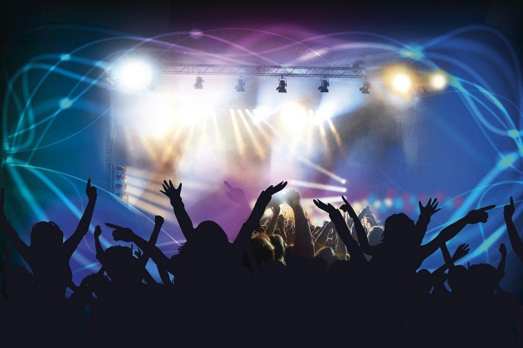 Festa; show; alegria. Foto: Pixabay
