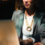 Salário é até 40% menor para mulheres no estado. Foto: StockSnap/Pixabay
