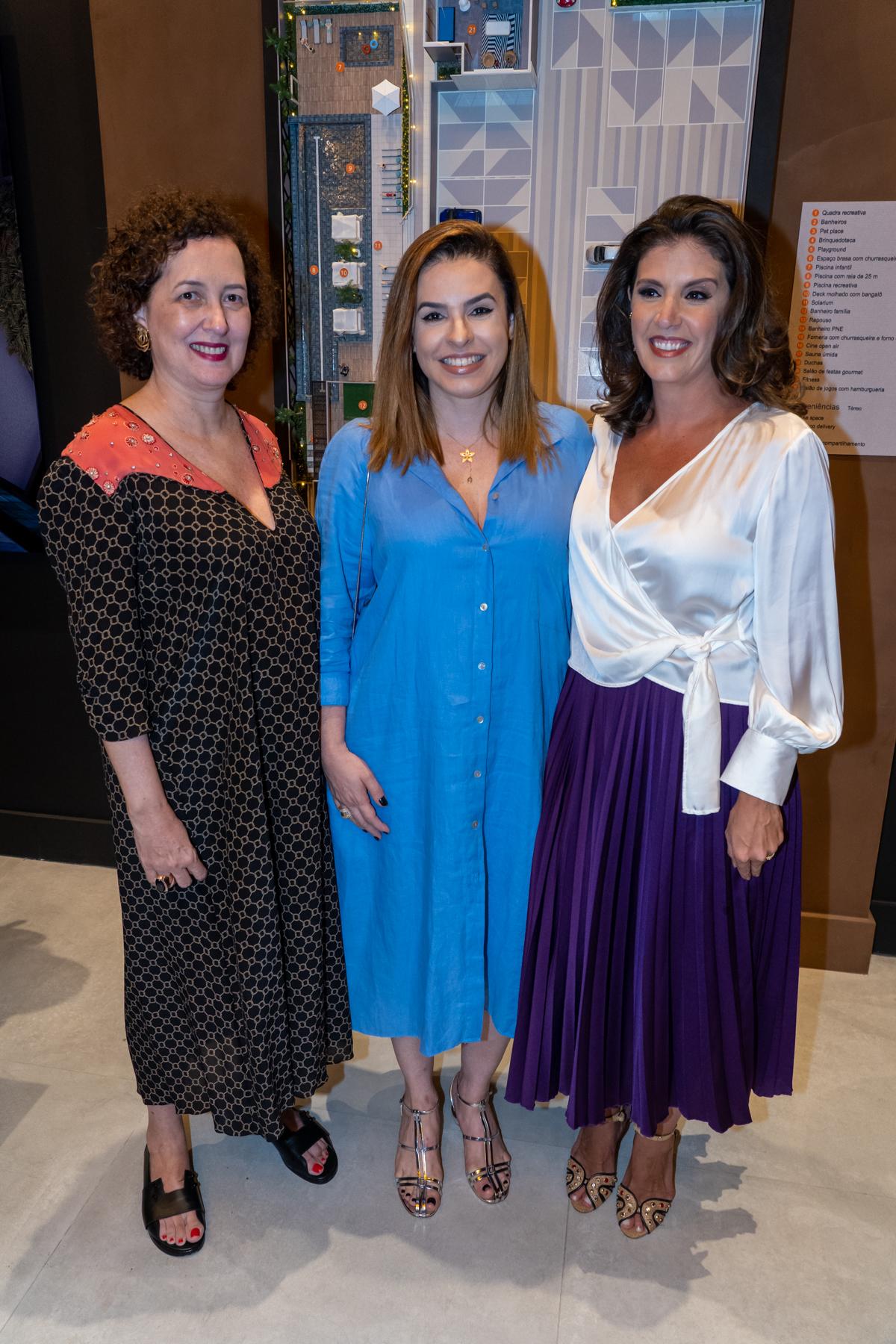 Sobre arte Sandra Mathias, Flávia Gama e Lara Brotas em evento recente. Foto: Cacá Lima